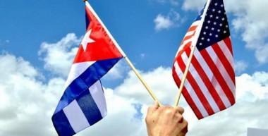 Banderas de los Estados Unidos y Cuba