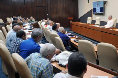 Evalúa Consejo de Ministros recuperación en La Habana